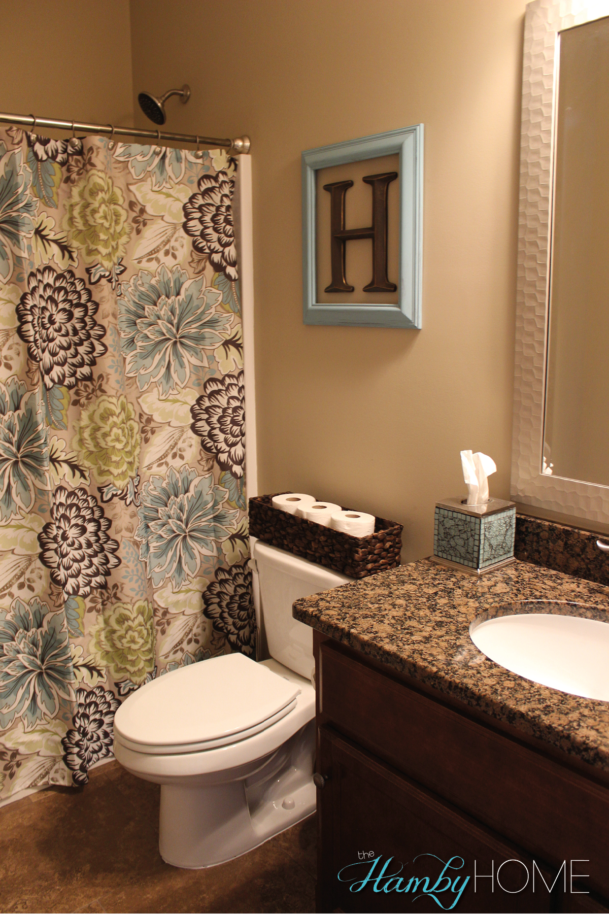 Tgif house tour guest bathroom the hamby home for Small bathroom decorating themes